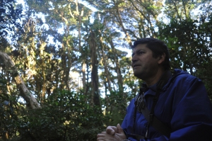 Tour guide Victorino Molina talks about the history of the Monteverde Cloud Forest Biological Reserve. The reserve is a popular ecotourism location. (Jackie Trahan/Missouri School of Journalism)